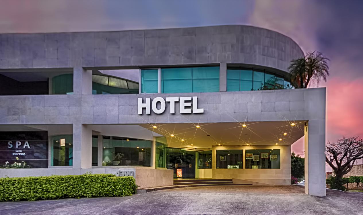 Hotel rio 1300 for Hoteles minimalistas en espana